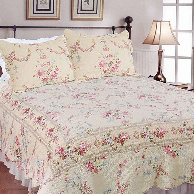 Unique beautiful pink cream green rose beige vintage floral quilt 9 Interesting Vintage Floral Quilts Gallery