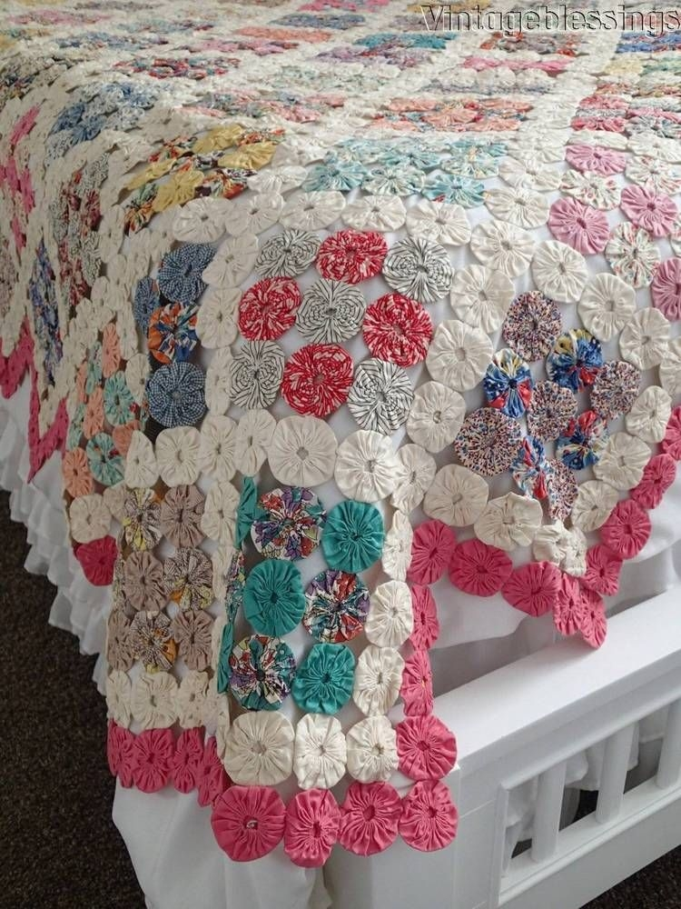 Unique beautiful vintage cottage home yo yo quilt 89 x 80 11   Vintage Yoyo Quilt
