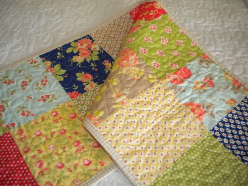 Unique layer cakes and more modafabrics 10 Elegant Moda Layer Cake Quilt Patterns
