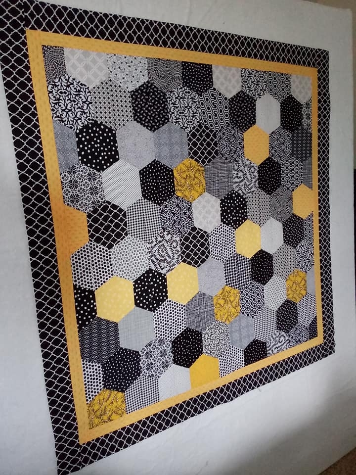 Beautiful modern hexagon quilt in the making 11 Modern Modern Hexagon Quilt Patterns Inspirations