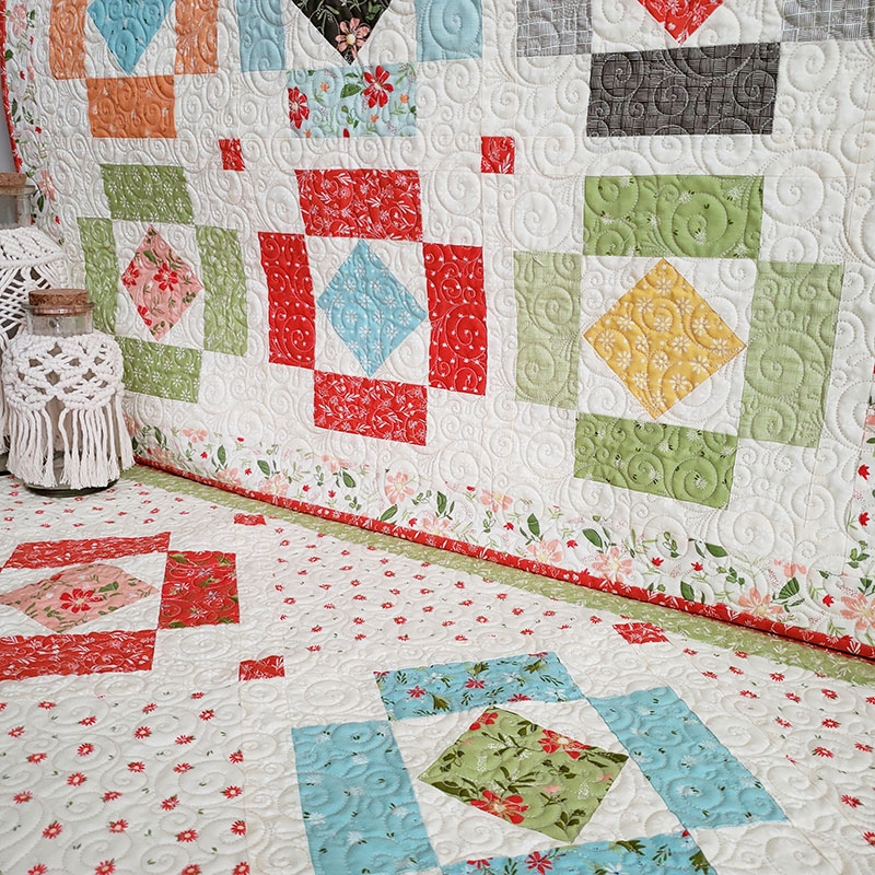 Cool simple charm pack quilts projects a quilting life 9 Beautiful Quilt Patterns Using Charm Squares Inspirations