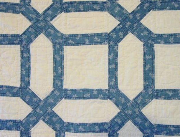 Cozy blue and white garden maze quilt sold cindy rennels 9 New Garden Maze Quilt Pattern