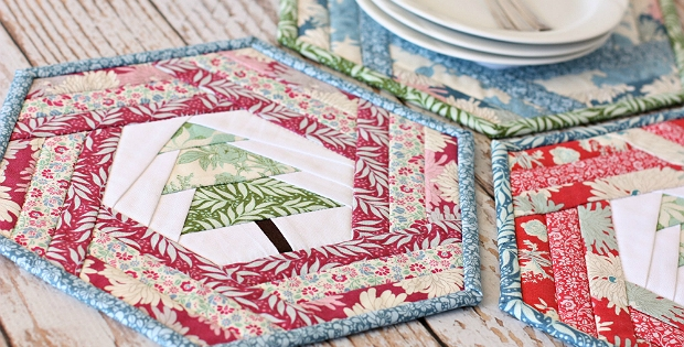 Cozy holiday hexie placemats are so pretty on the table 10 Modern Quilted Placemats Pattern