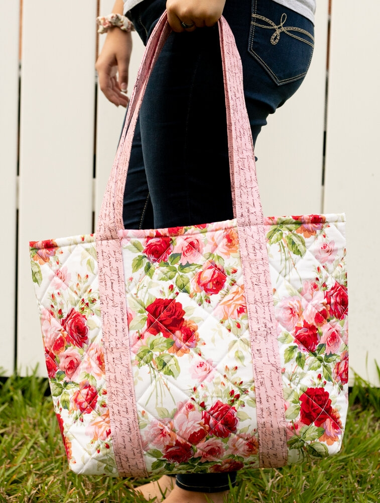 Elegant sew easy big tote bag free sewing tutorial sewcanshe 9 Cozy Quilted Tote Bag Patterns Gallery