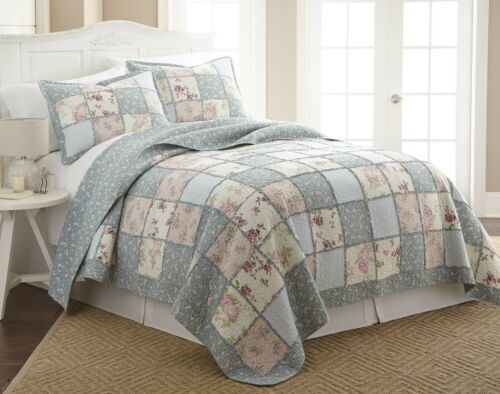 Interesting quilts bedspreads coverlets garden floral vintage washed Beautiful Vintage Floral Quilted Throw Inspirations