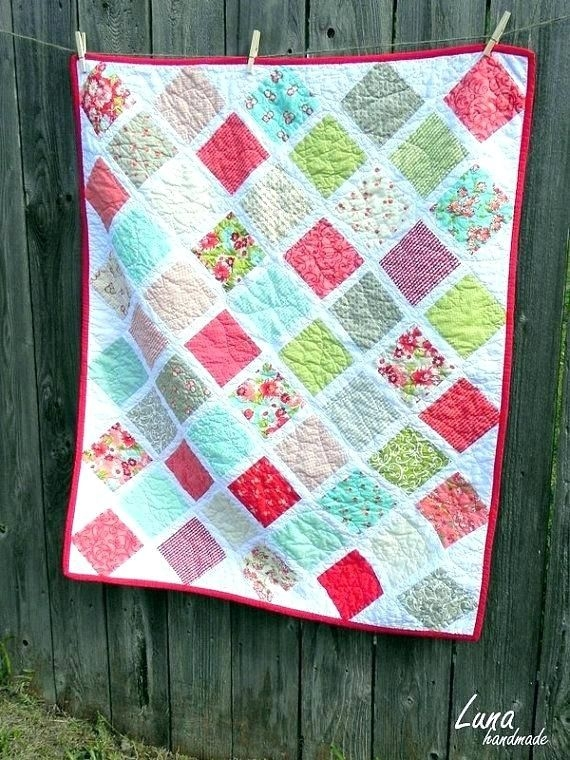 Interesting quilts using two charm packs quilts using charm packs and 10 Stylish Quilt Patterns Using Charm Packs And Jelly Rolls