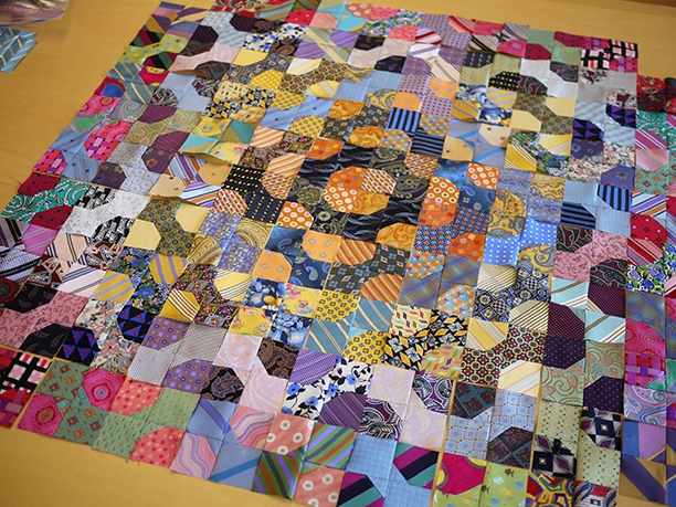 Modern 300 bow ties 10 Elegant Bow Tie Quilt Pattern Layouts Gallery