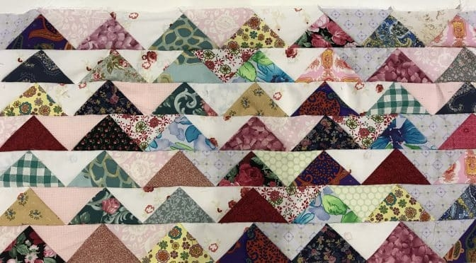 Modern flying geese antique style quilt tutorial made easy 11 Modern Flying Geese Quilt Patterns