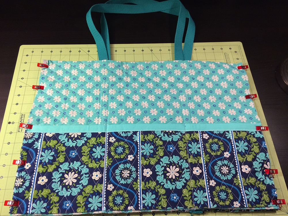 Modern sew a quilted fabric tote bag national sewing circle 9 Cozy Quilted Tote Bag Patterns Gallery