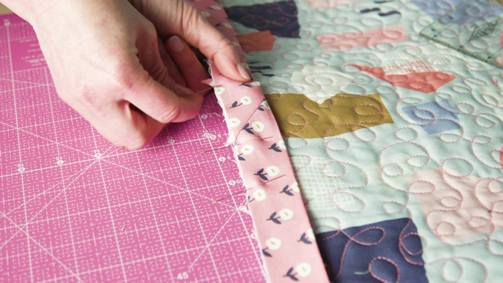 Modern sew easy binding a quilt quilting daily 9 Cool Sewing A Binding On A Quilt Gallery