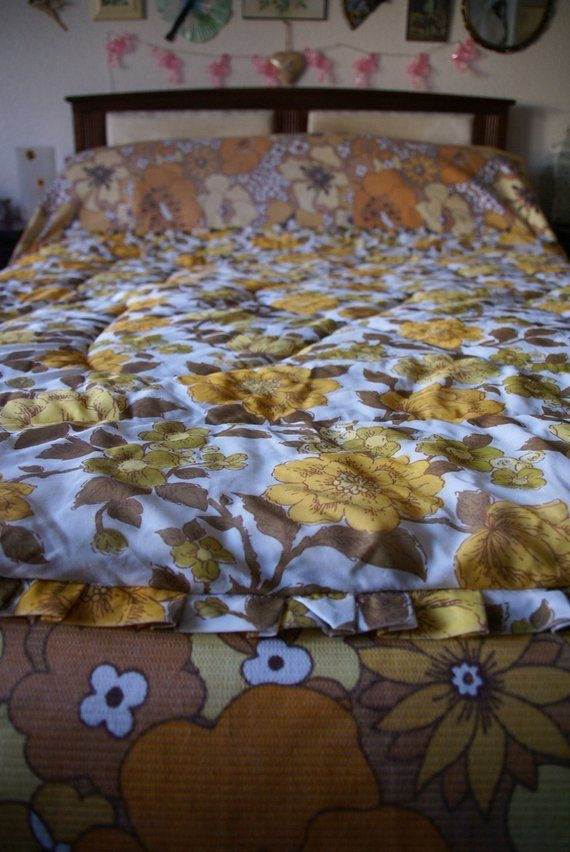 Modern vintage 70s yellow brown white floral rose quilted rose Beautiful Vintage Floral Quilted Throw Inspirations