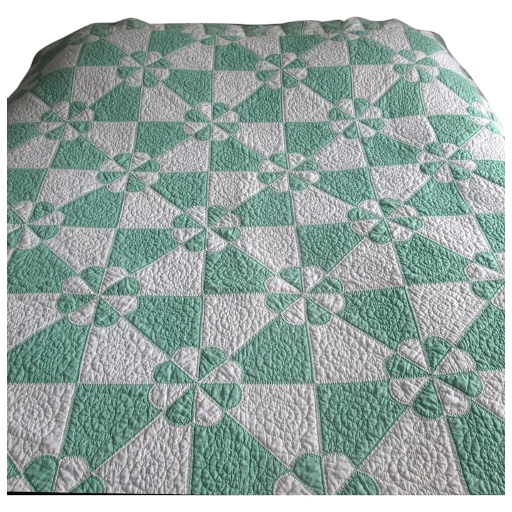 Modern vintage green and white patchwork quilt hearts gizzards 9 Beautiful Hearts And Gizzards Quilt Pattern Gallery