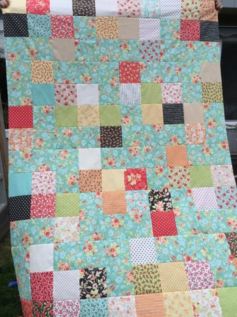 Stylish craftsy express your creativity pinwheel quilt 10 Interesting Easy Square Quilt Patterns Gallery