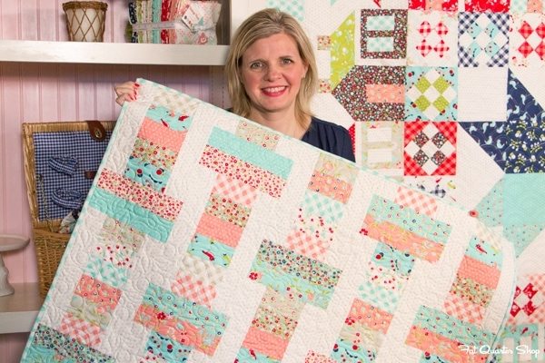 Stylish jelly roll slice free quilt pattern with fat quarter shop 10 Beautiful Fat Quarter Jelly Roll Quilt Inspirations