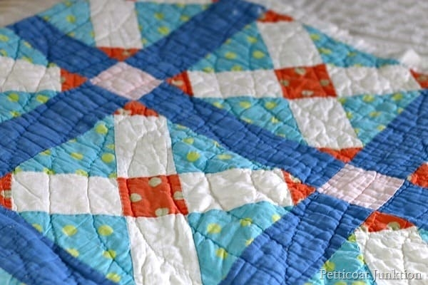 Stylish vintage handmade quilts my collection blog tour 11 Beautiful Vintage Handmade Quilts Inspirations