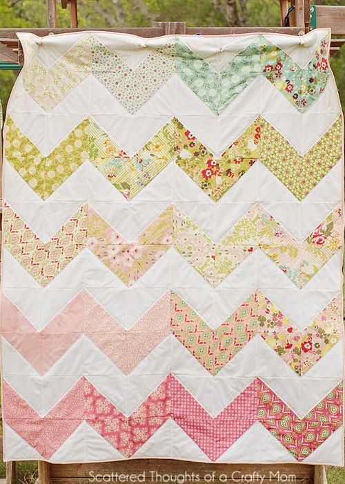 Beautiful chevron quilt the easy way scattered thoughts of a 10   Chevron Quilt Pattern Using Rectangles Gallery