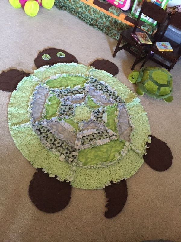 Beautiful turtle rag quilt rag quilt turtle quilt quilting crafts 9 Cool Turtle Rag Quilt Pattern Inspirations