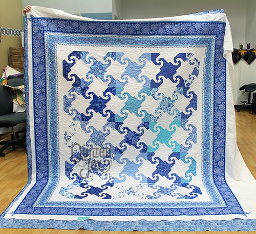 Cozy mesmerizing two color quilts quilted joy 11 Stylish Two Color Quilts Patterns
