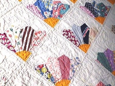 Elegant vintage late 1920s quilt 80 x 72 hand quilted fan pattern 1920 Quilt Pattern