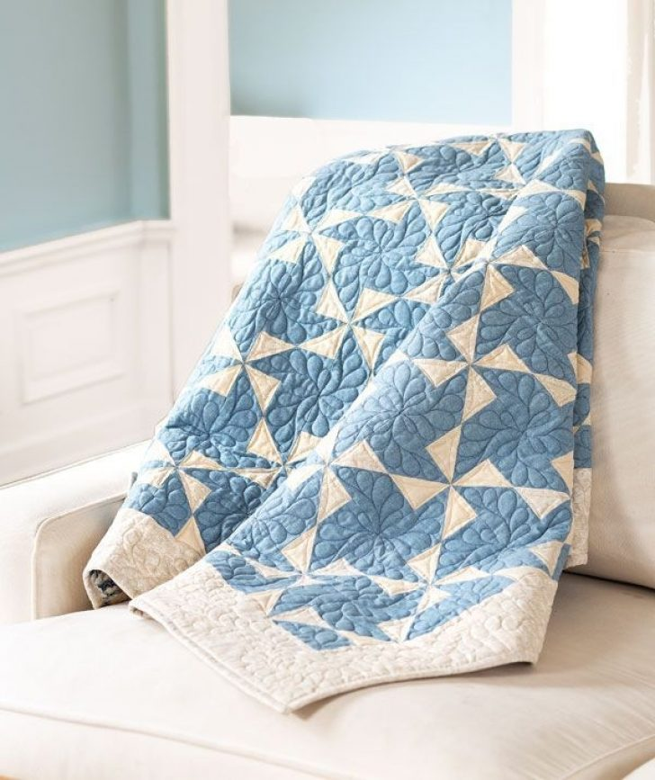 Permalink to 11 Stylish Two Color Quilts Patterns
