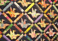 Cool japanese paper crane quilt pattern japanese quilts 10 Beautiful Origami Crane Quilt Pattern Inspirations