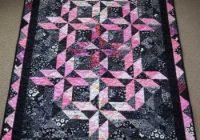 emmys half square triangle quilt Elegant Half Square Triangle Quilt Borders