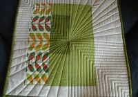 i like the straight line quilting on this little quilt Straight Line Quilting Patterns Inspirations