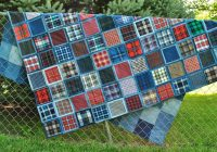 Interesting make a gorgeous denim quilt from blue jeans 10 Interesting Denim Rag Quilt Patterns