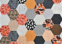 large hexagon quilt pattern and tutorial the polka dot Cozy Hexagon Quilts Layout