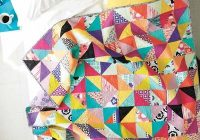 Modern patchwork quilting master the half square triangle 9 Beautiful Triangle Patchwork Quilt Gallery