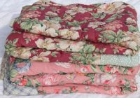 pair vintage floral print whole cloth quilts soft puffy 9 Interesting Vintage Floral Quilts Gallery