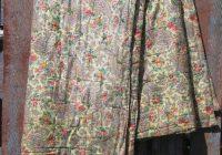 vintage whole cloth tied quilt old paisley floral print Unique Vintage Paisley Quilt