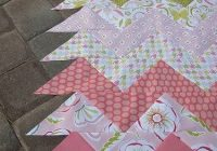 zig zag quilt top using triangles love it diy quilts Interesting Chevron Quilt Pattern Using Triangles Gallery